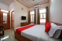 OYO 45229 Rajdhani Tourist Motel