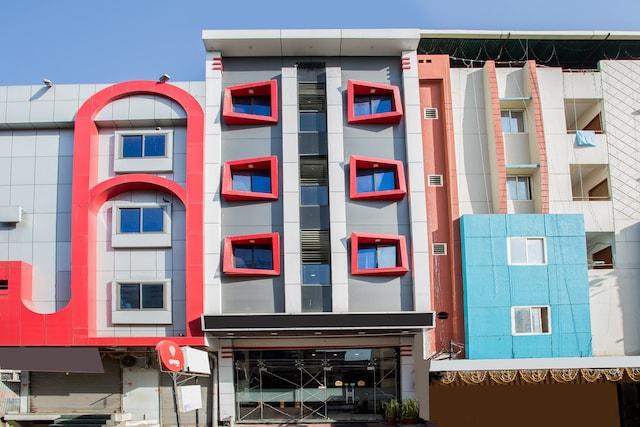 OYO 4042 Hotel Mehar Residency