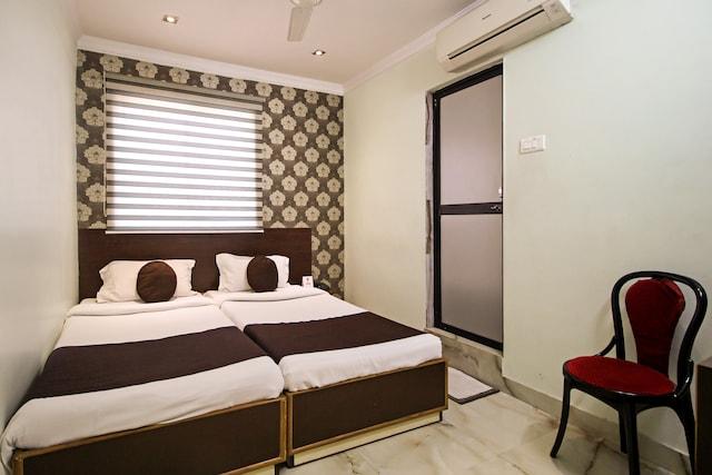OYO 4050 Hotel Relax Inn