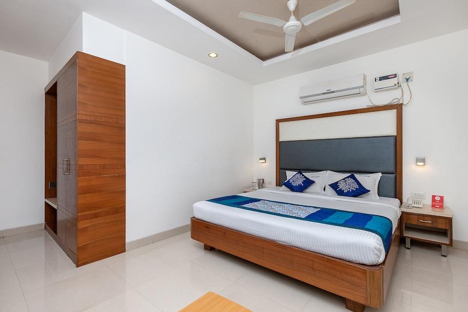 OYO 683 Hotel Sri Chakra Inn