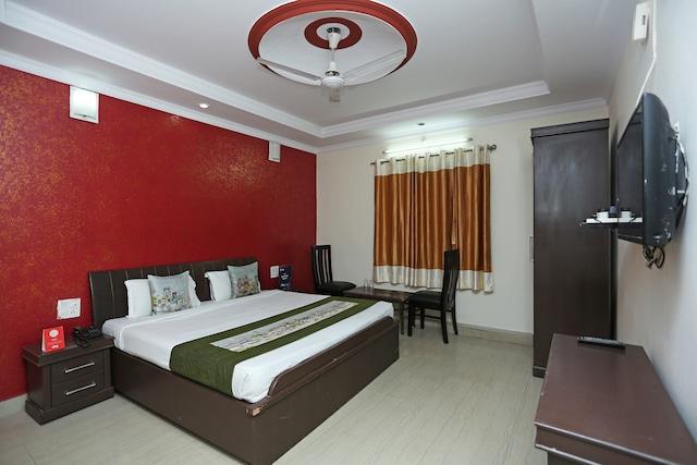 OYO 4073 Hotel Esskay