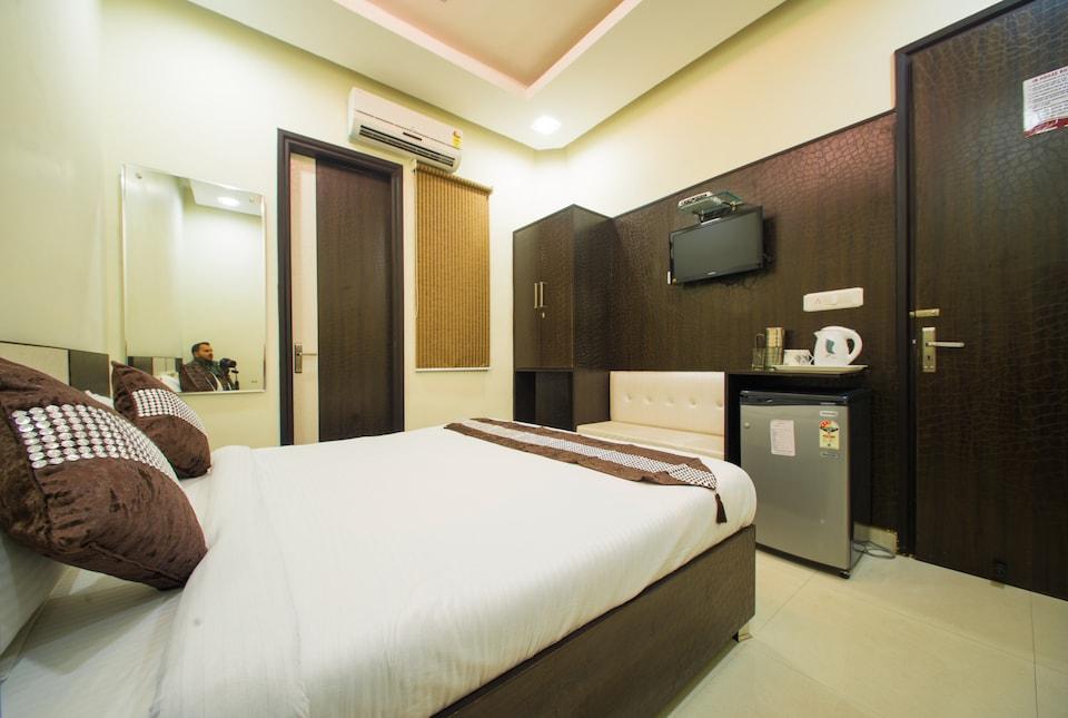 OYO 4086 Hotel Akaal Heights