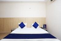 OYO 694 Hotel Malik Residency Deluxe