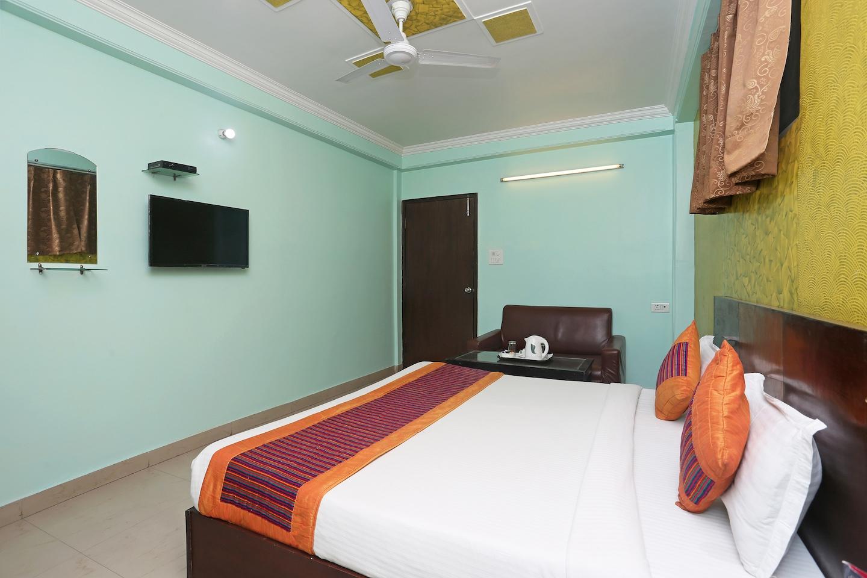 OYO 10048 Hotel Aditya Inn -1