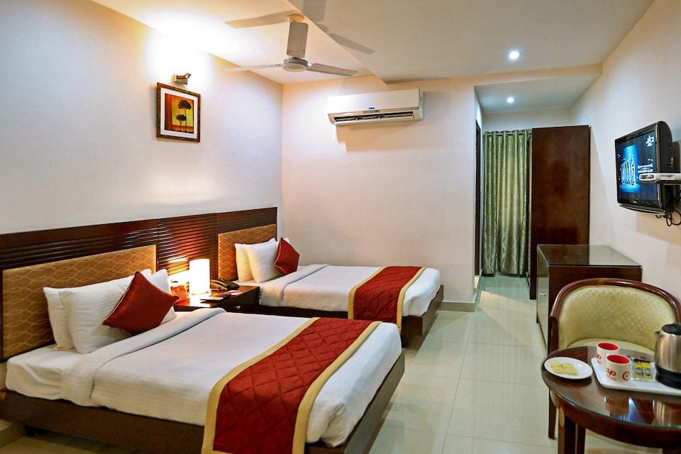 OYO 706 Hotel Swagath Residency