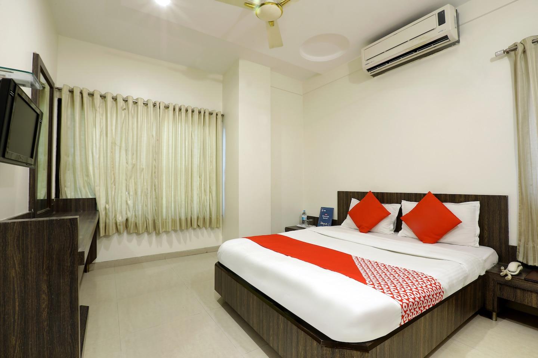 OYO 4198 Hotel Shri Sai Murli -1