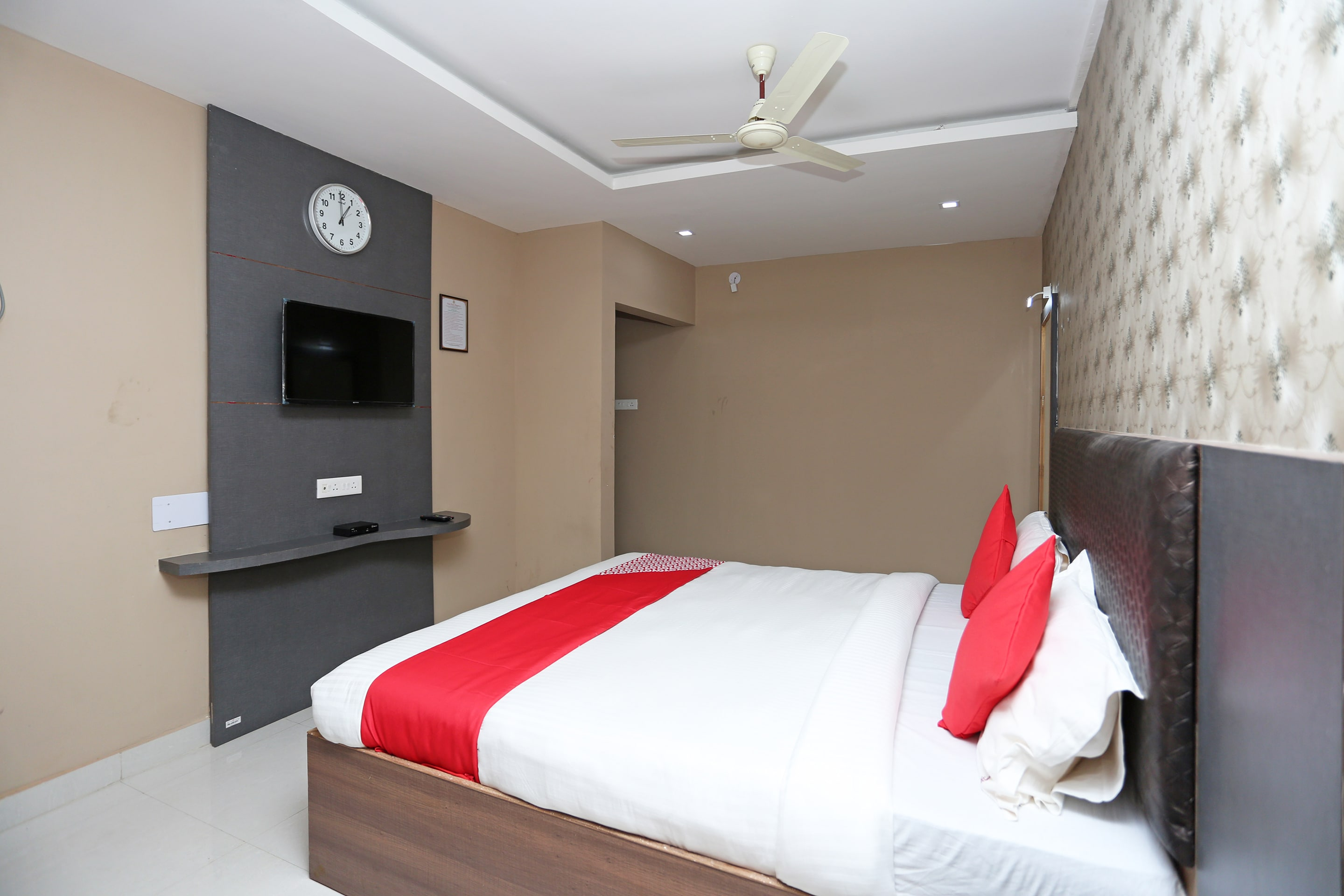Book OYO 4230 Hotel Richi Regency 1 in Bhubaneswar