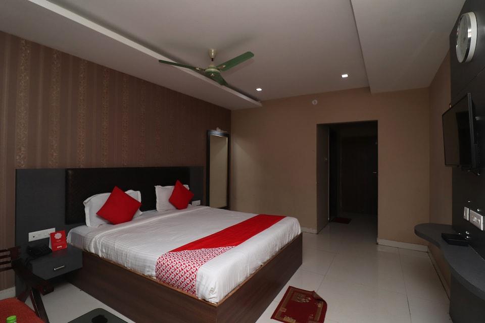 Capital O 4230 Hotel Richi Regency 1