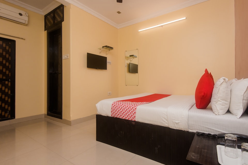 OYO 4269 Hotel Sai Residency