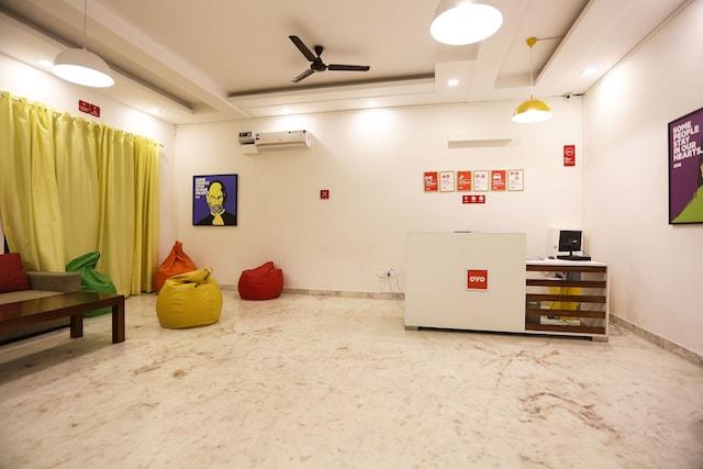 OYO Flagship 136 Sector 45 Noida