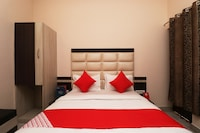 OYO 4358 Hotel Mahima