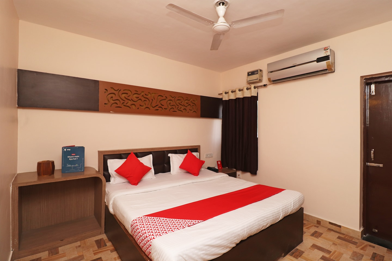 OYO 4358 Hotel Mahima -1