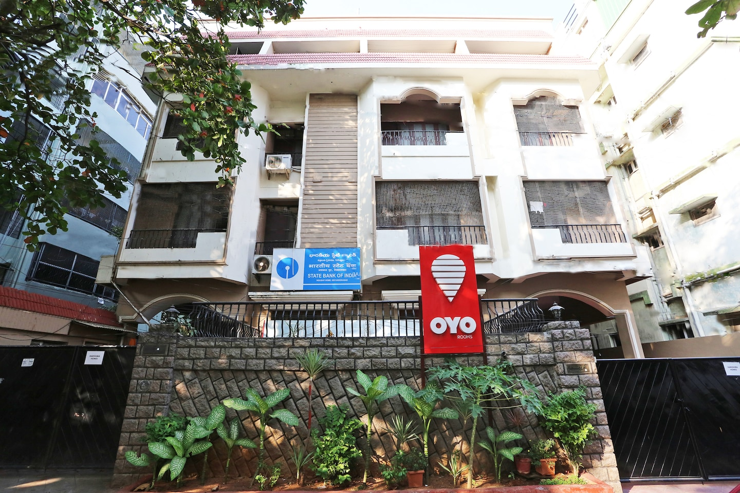 Oyo 730 Hotel Karishma Homes Hyderabad Hyderabad Hotel