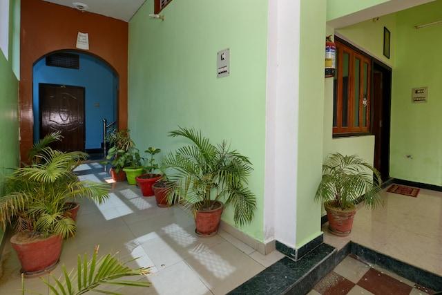 SPOT ON 4409 Hotel Chaitanya Inn