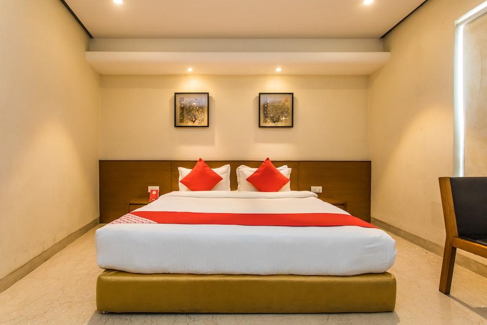 Capital O 14448 Hotel Sapphire Star