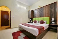 OYO 4451 Hotel Super Mall Residency
