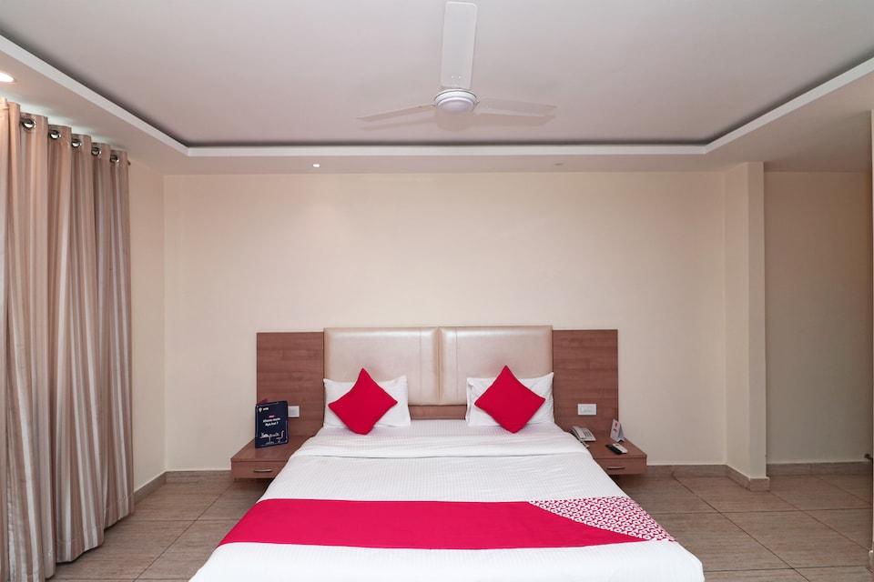 OYO 4477 City Square Hotel, Tikonia Haldwani, Haldwani