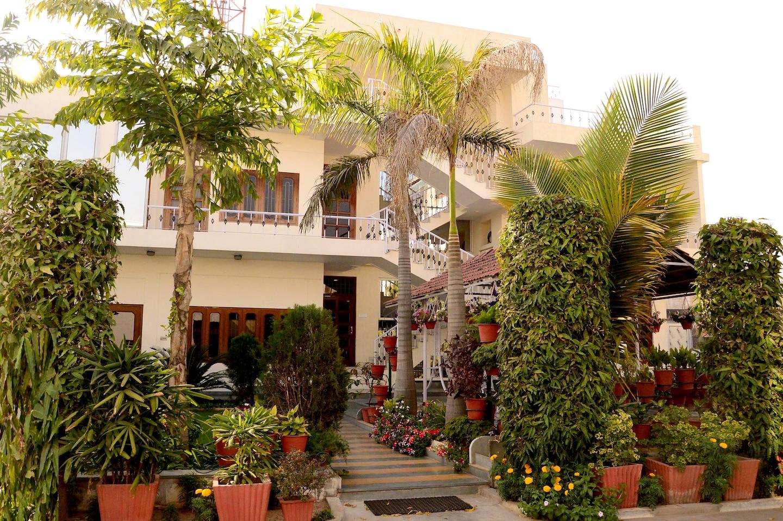 OYO 4492 Home Stay Sukh Vilas Facade-1