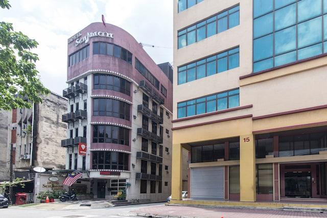 OYO 124 Hotel Seniman Sentul
