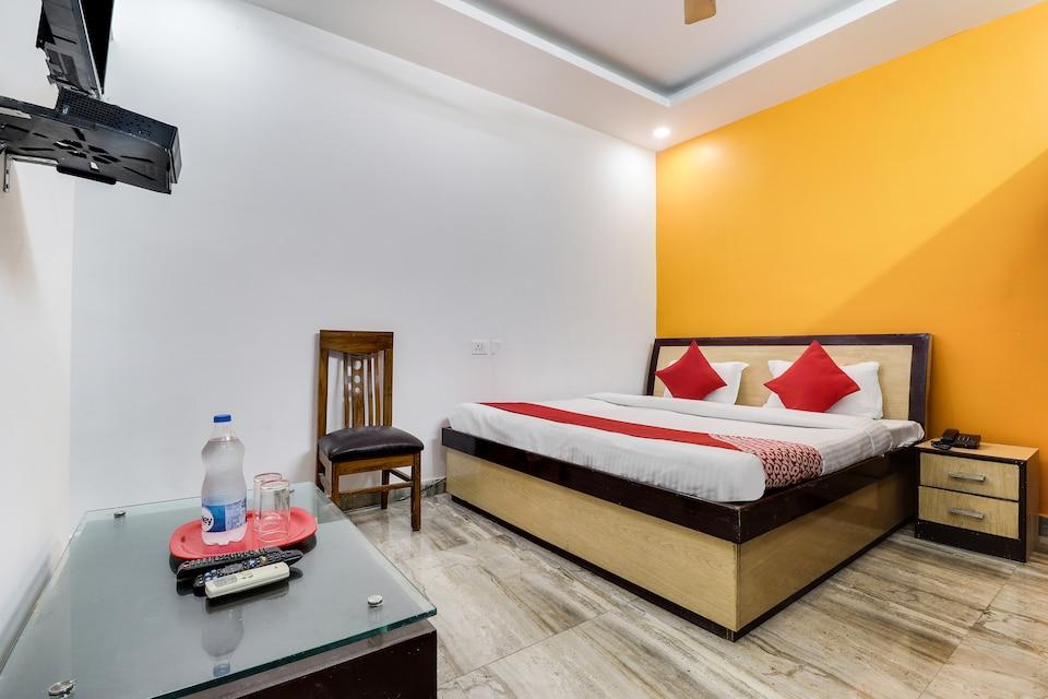 OYO 45263 Ayushman Residency