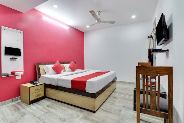 Capital O 45263 Ayushman Residency Deluxe