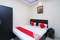 OYO 45299 Hotel Sanjay Palace