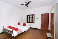 SPOT ON 45302 Kaveri Tourist Home
