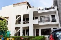 OYO 4548 Hotel Tom Stay Deluxe