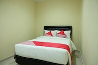 OYO 1149 Hotel Mustika