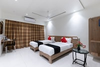 Capital O 45382 Akshar Inn By Jash Hotel Deluxe