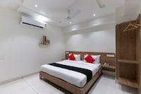 Capital O 45382 Akshar Inn By Jash Hotel