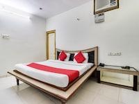 OYO 45398 Kunal Hotel