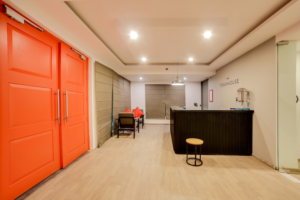 OYO Townhouse 162 Sector 52