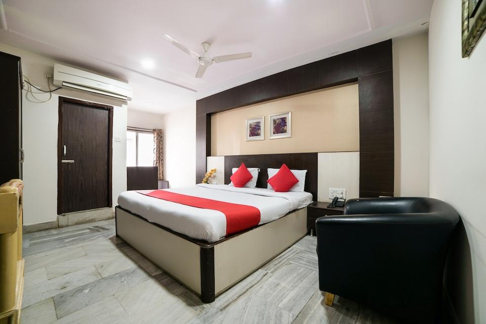 OYO 45408 Hotel Ambassador