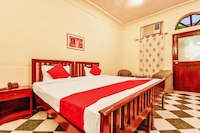 OYO 45425 Hotel Karnot Mahal