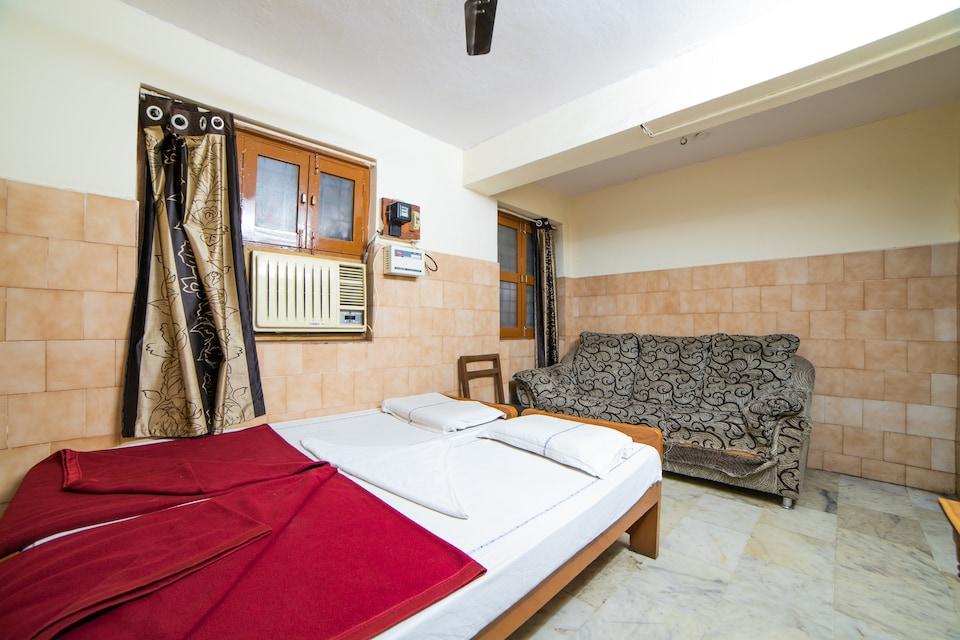 SPOT ON 45433 Sree Radha Lodge