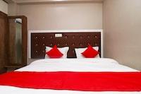 OYO 45455 Hotel Siddahant Palace
