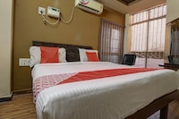 Capital O 45471 Shreepathy Residency