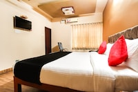 Capital O 45471 Shreepathy Residency Deluxe