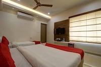 OYO 45505 Mk Residency  Suite