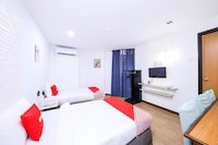 OYO 43963 T Signature Hotel
