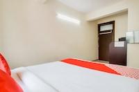 OYO 45583 Hotel Galaxy