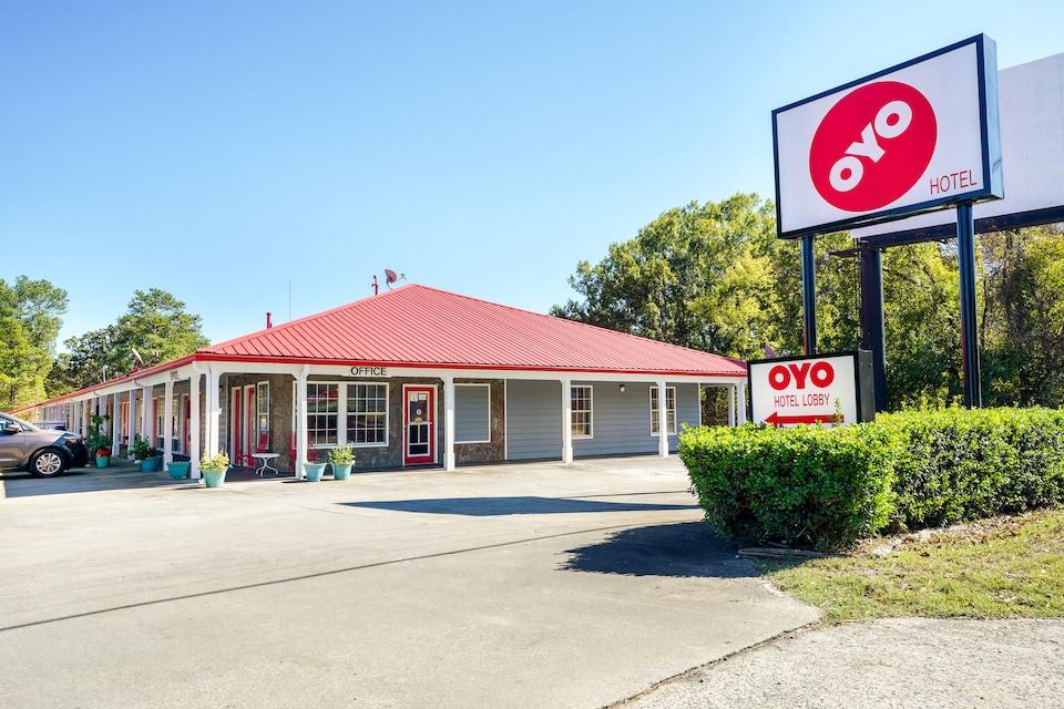 OYO Hotel Calhoun GA I-75 & US-41 Hwy