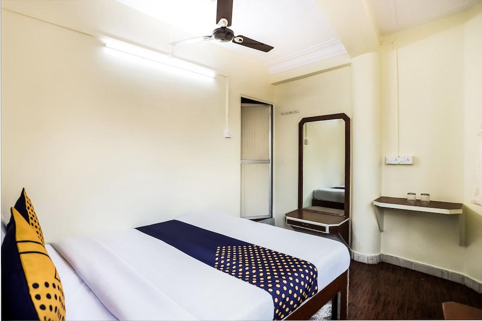 SPOT ON 45594 Hotel Vijay Palace
