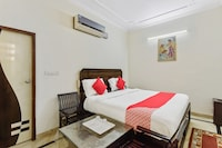 OYO 45641 Hotel Royal Stay