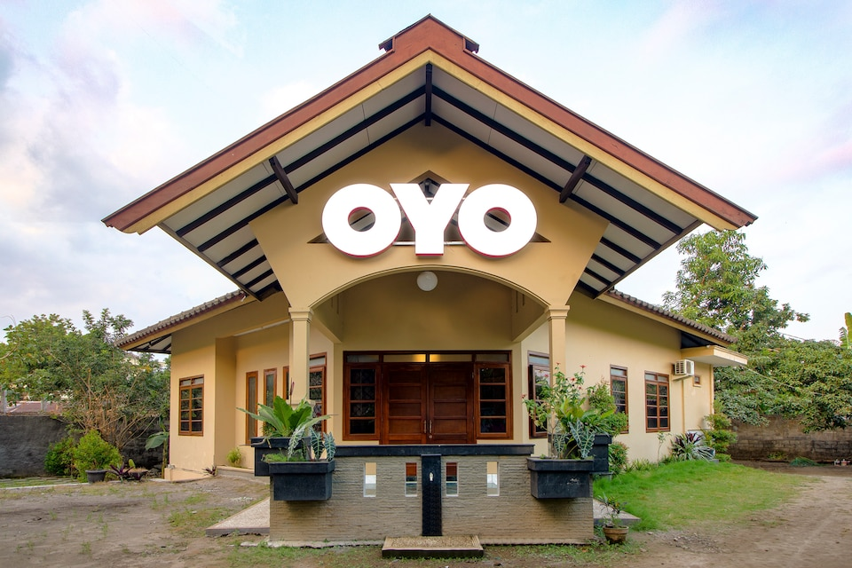 OYO 1195 The Doctor's Guest House Syariah