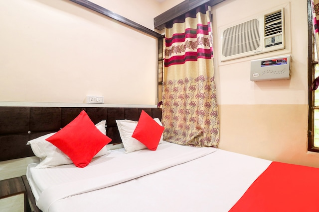 OYO 45687 Hotel Hm International Saver