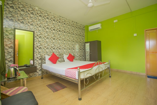 OYO 45702 Shuvam Valley Resort