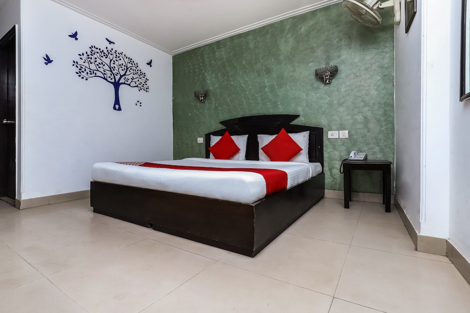 OYO 19046 Hotel Airport Suites