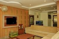 OYO 4592 Hotel Minister's Kourt